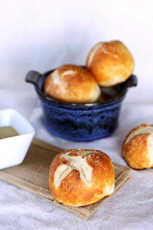 easy homemade pretzel buns | Cooking | Pinterest