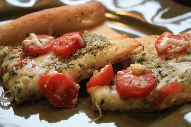 Mostly Homemade Mom: Tomato Pesto Pizza | Pizza | Pinterest