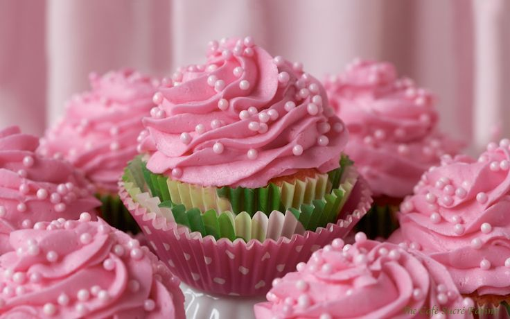 Perfect White Cupcakes (IN PINK) w/ Best-Ever Buttercream Icing (IN ...