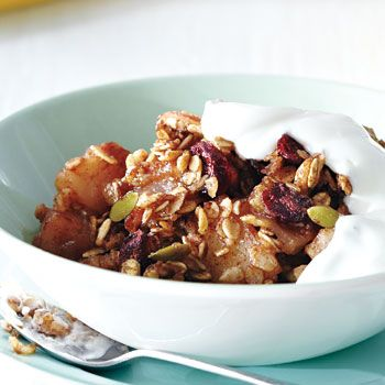 Granola-Topped Apple-Pear Breakfast Crisp recipe - Fresh Juice