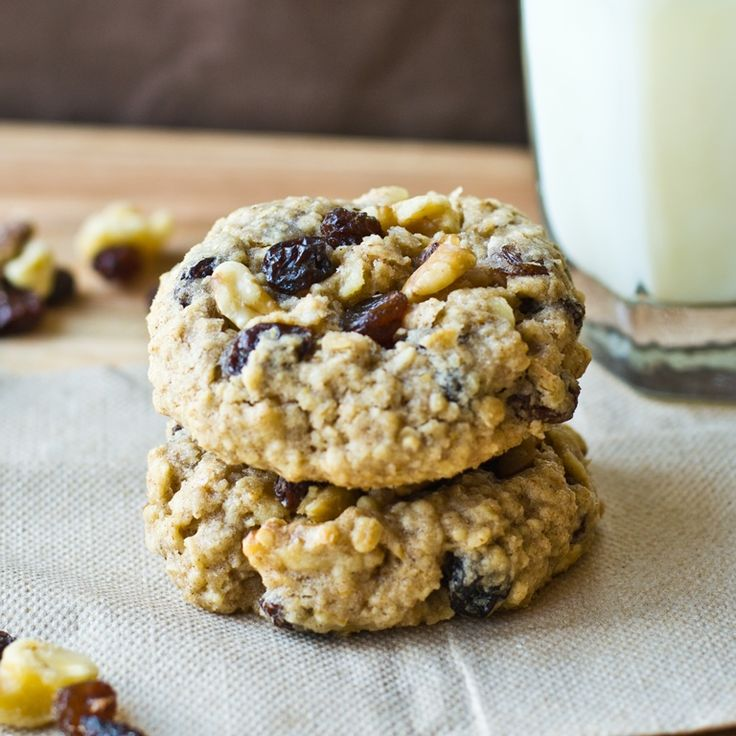 ... , soft, chewy, cinnamon oatmeal cookies full of raisins and walnuts