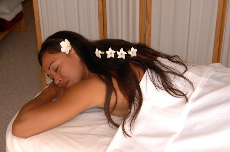 boberg see luxuria massage