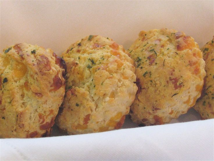 Cheddar Garlic Biscuits | Recipes: Food & Drink | Pinterest