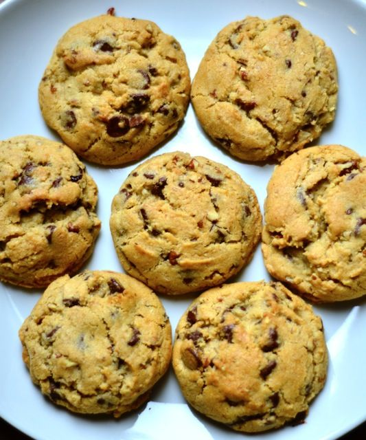 Ultimate Chocolate Chip Cookies with Pecans reluctantentertainer.com