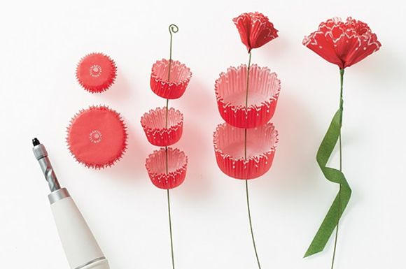 more #paperflowers!! smart cupcake liner carnations. so smart! ;)