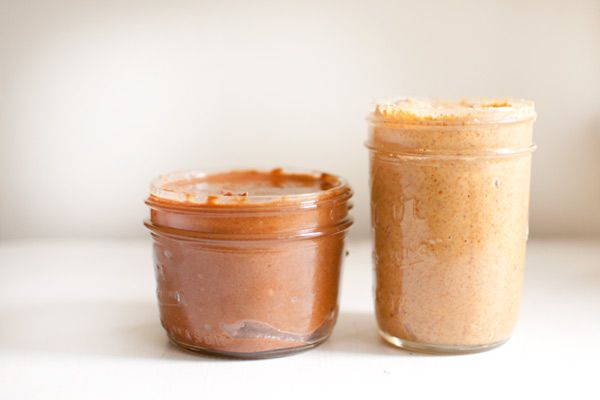 Homemade Almond Butter! This is a simple, healthy, and super quick way ...