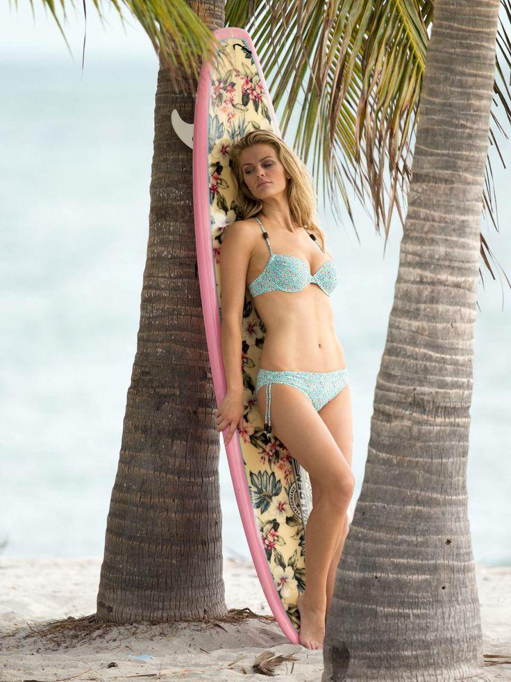 brooklyn decker bikiniBrooklyn Decker 2013 Photoshoot