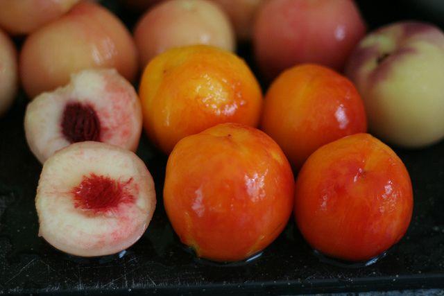 Bourbon Peach Jam using pomona pectin | Caelan friendly recipes | Pin ...