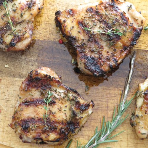Grilled chicken with herb dry-rub   Yummy!!!   Pinterest
