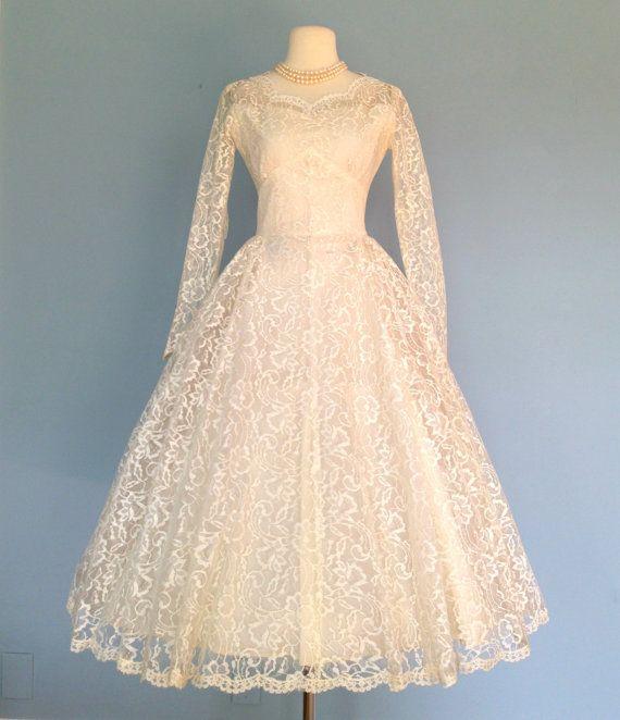 Vintage 1950s ivory lace wedding dress beautiful tea for Ivory lace tea length wedding dress