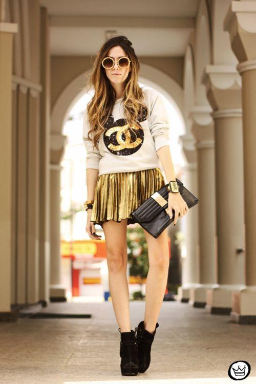 FashionCoolture - 19.08.2013 look du jour Ohkei moletom sequins jumper golden (1)