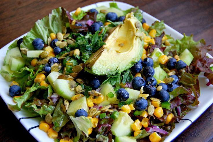Blueberry and corn salad | Vegan recipes | Pinterest