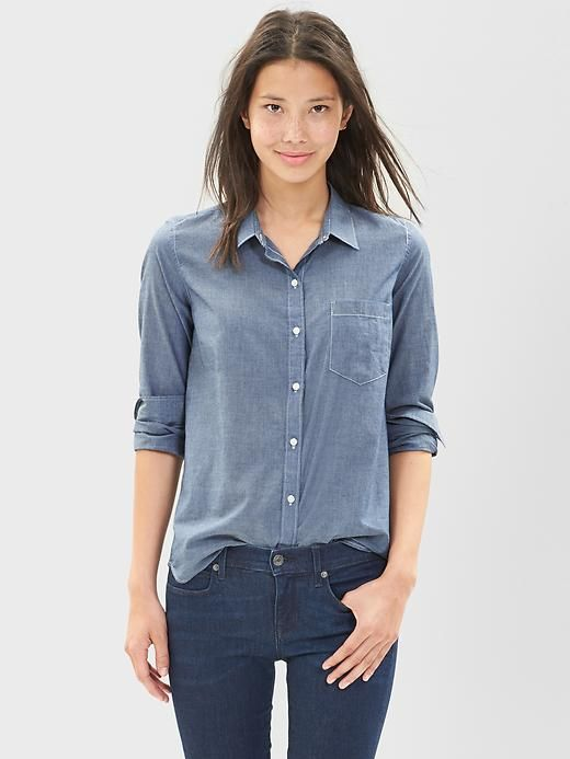 Showing womens fitted chambray shirt Banana Republic Grant Slim-Fit Chambray Shirt Product DetailsThe versatility of denim, the soft feeling of your most-loved dress shirts, our lightweight chambray is ideal for all tiodegwiege.cf-down collar.