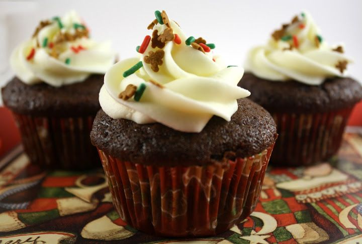 Chocolate Gingerbread Cupcakes with Cream Cheese Frosting | Chocolate ...