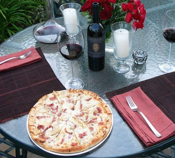 ... white sauce pizza w/prosciutto, mozzarella & caramelized onions