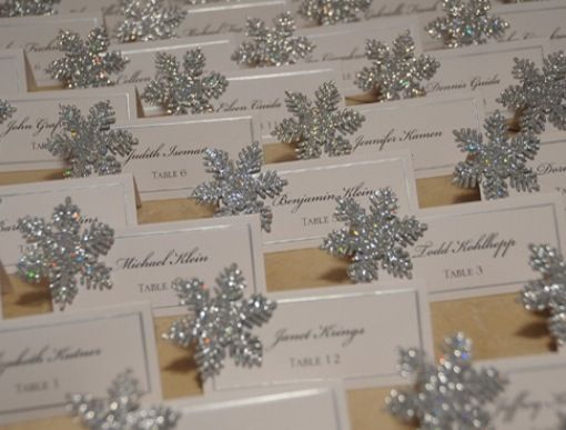 Place cards with snowflakes