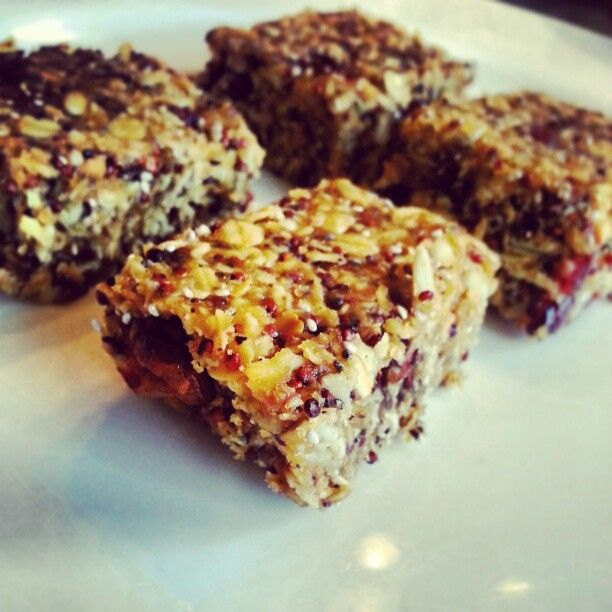 Peanut Butter Granola Bars A homemade energy bar packed with protein ...