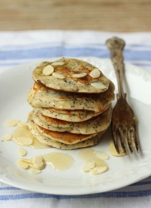 Almond pancakes with poppy seed | Yummy for the Tummy | Pinterest