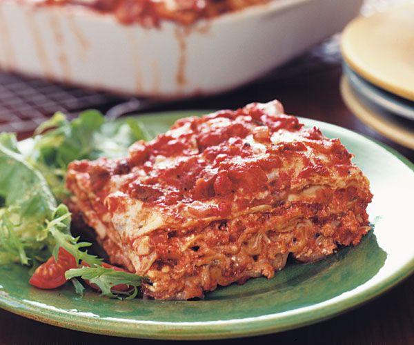 Classic Meat Lasagna Recipe - Make 3 - serve 1, freeze 2 GREAT recipe ...