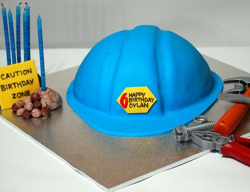 Builders Hard Hat Cake Wilton Cakes Pinterest