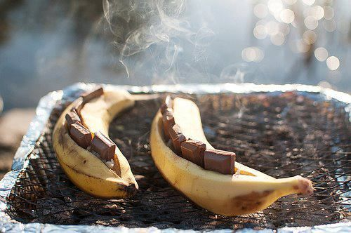 ... scouts by alternating chocolate and marshmallows in the banana yum