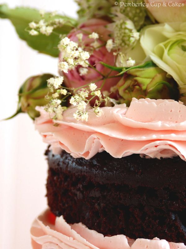 Chocolate Cake with Rose Water IMB Frosting {Tarta de Chocolate con ...