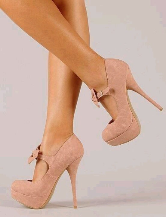 Cute Blush colored shoes...I dig