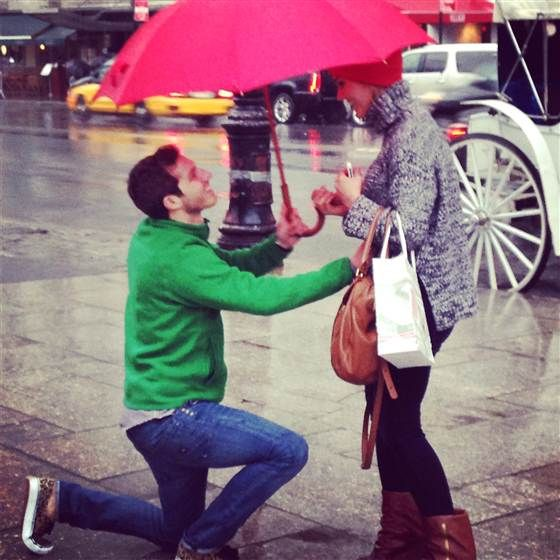 Surprise! Stranger captures sweet sidewalk proposal in 'magical' photos