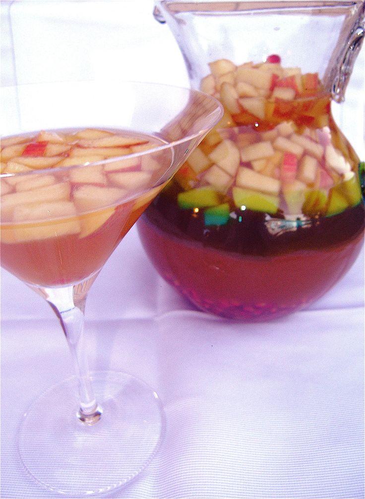 Thanksgiving Cocktails- Sparkling Apple Cider Sangria