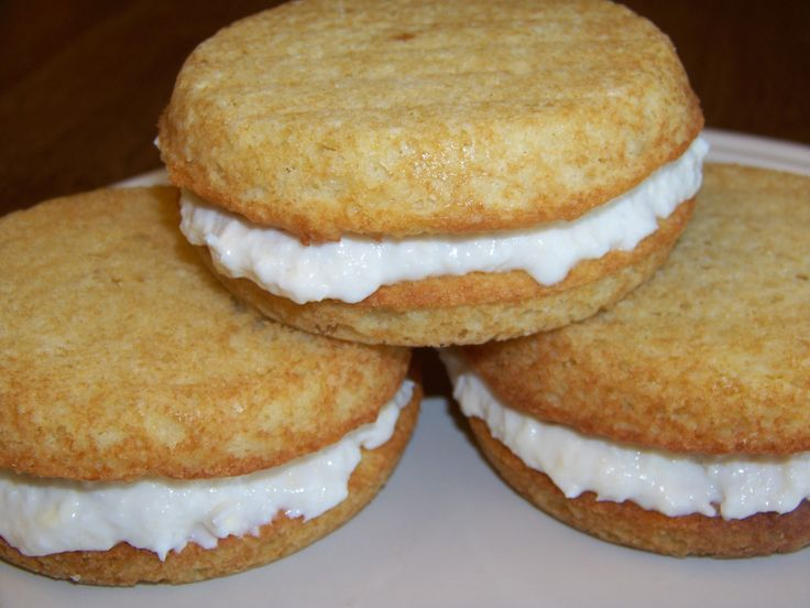 Low Carb Banana Coconut Whoopie Pies