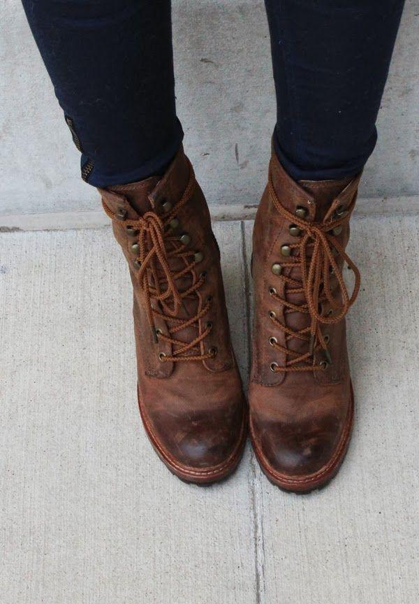 New Frye Women39s Carson Lace Up Boot  Cognac