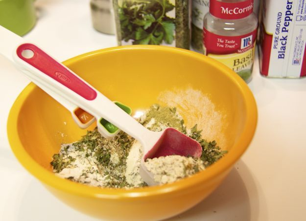 Homemade dry Italian dressing, use to sprinkle on top of recipes ...