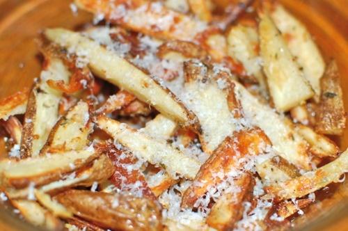 Parmesan Truffle Fries w/ Thyme & Garlic | Scrumdiddliumptious | Pint ...