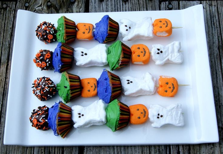 Halloween Peeps #Kebabs Cute and easy! Buy those cheap marshmallows ...