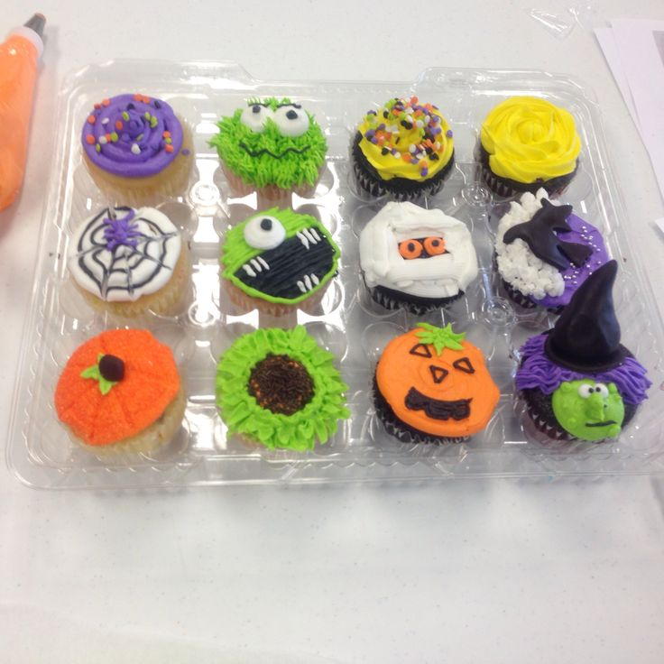 Halloween Cake Decorating Ideas Pinterest : Fun Halloween cupcake ideas. cake decorating Pinterest