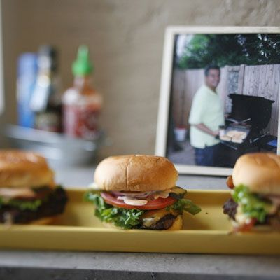 Farmhouse Bacon Cheeseburger (Also includes a recipe for homemade mayo ...
