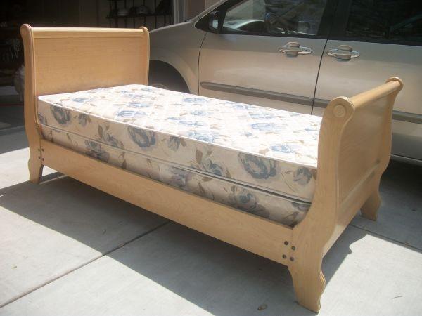 Twin Sleigh Bed, $175 | Craigslist | Pinterest