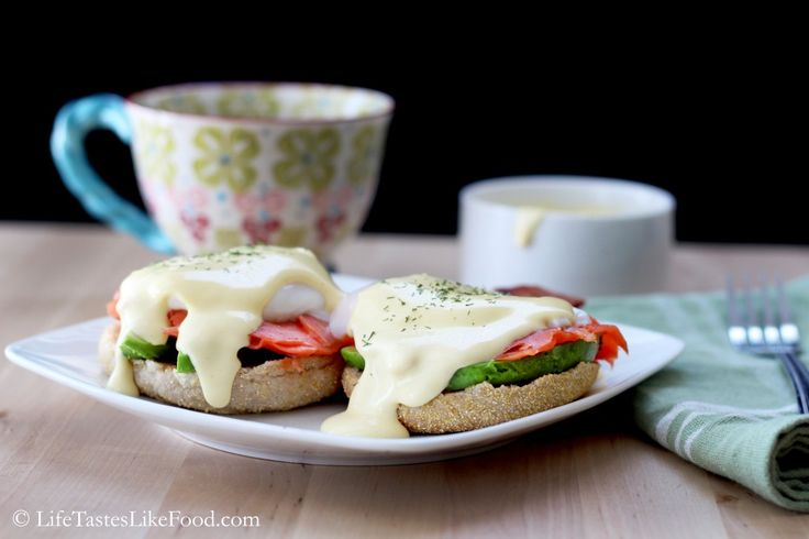 Recipe: Smoked Salmon Eggs Benedict with Easy Blender Hollandaise ...