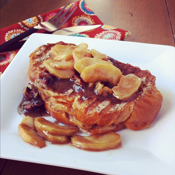 Caramel Apple Stuffed French Toast (with toasted pecan maple syrup ...