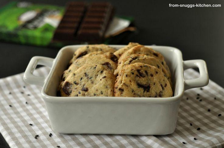 sesame and dark chocolate chip cookies / plätzchen mit schokolade und ...