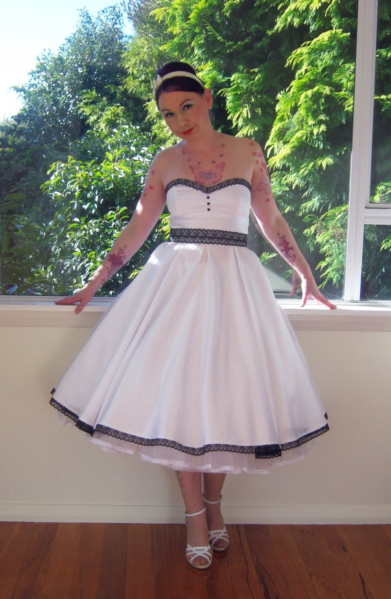 1950s 'Rose' Pin up Strapless Wedding Dress with by PixiePocket,