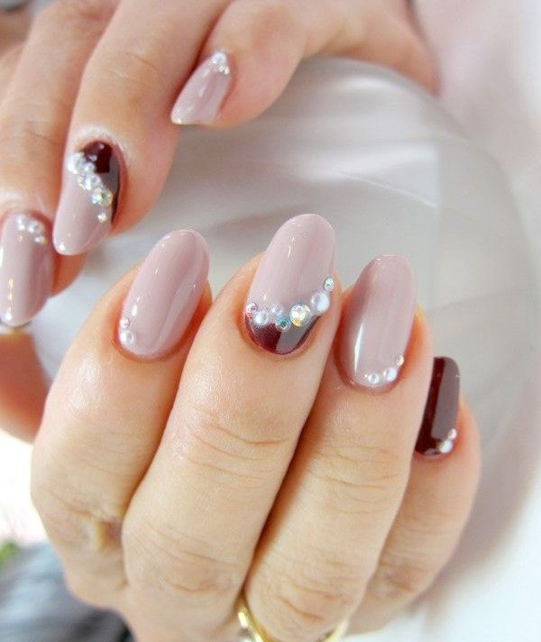 creative The traditional silver spike on the classic Christian Louboutin  nail following inspiration article - Classic Nail Designs – Slybury.com