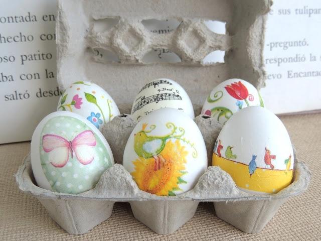 Decorar los huevos de pascua con decoupage , quedan preciosos !!!