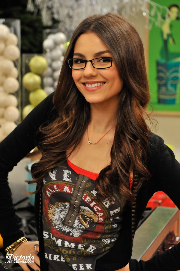 Victoria Justice Eyeglasses I Need Glasses Pinterest