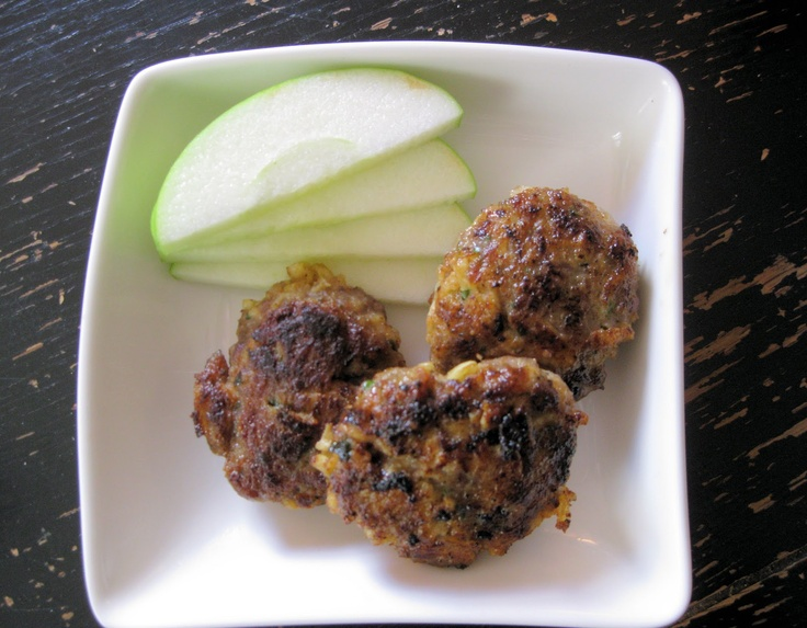 Apple and Sausage Patties from The Helpful Husband ...