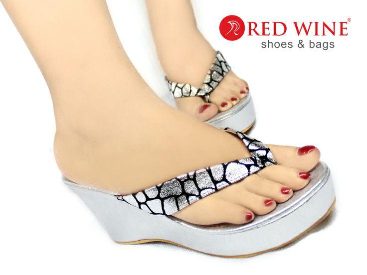 Pin by Sepatu Wanita on SEPATU SANDAL HEEL FLAT WEDGES ...