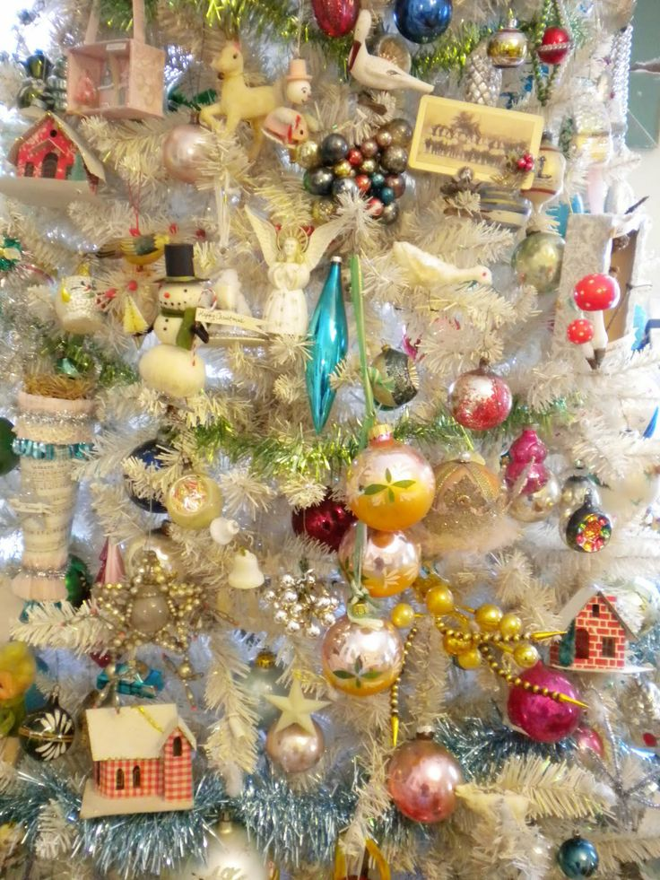 Vintage christmas tree christmas pinterest for Vintage christmas decorations