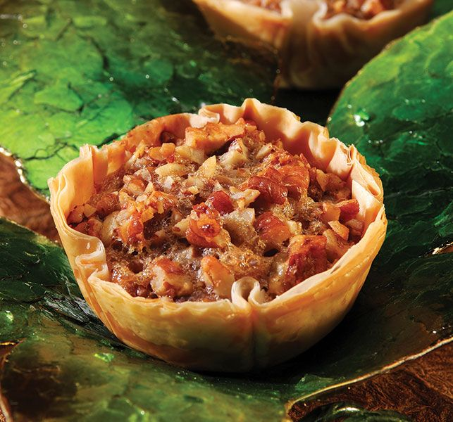 mini pecan phyllo tarts lucy says mini phyllo pecan tarts recipe mini ...
