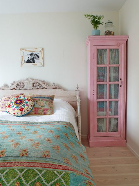 colourful vintage bedroom