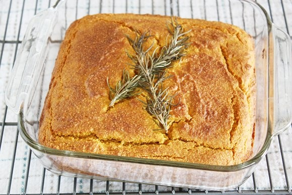 spiced pumpkin cornbread! GLUTENFREE! WOOHOOO